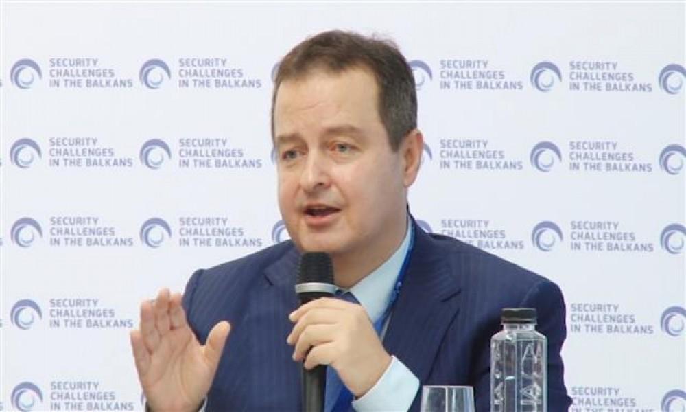 Govore okrenite se budućosti, a misle priznajte Kosovo