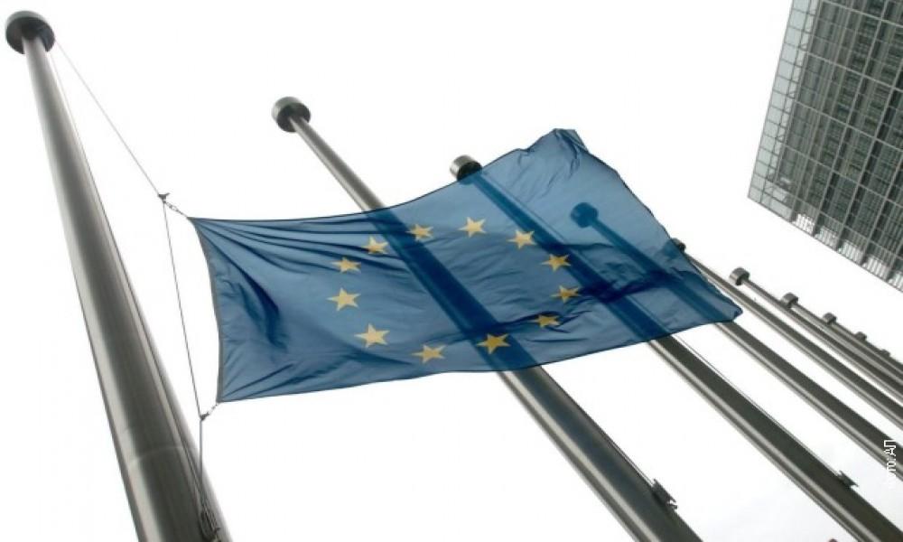 """Izveštaj Evropske komisije: Srbija """"izbalansirano"""" između postignutog i napretka"""