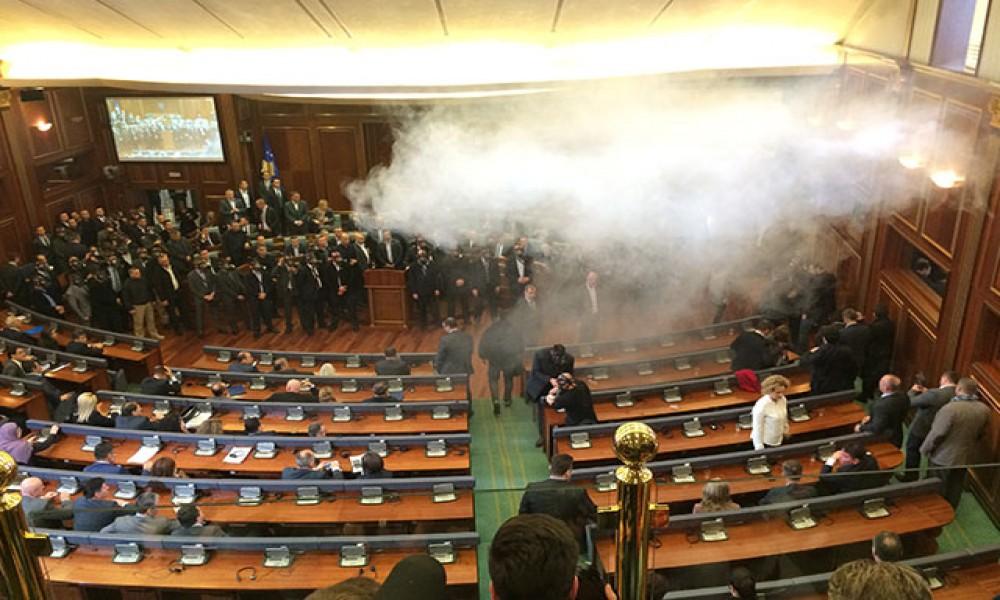 Suzavac u kosovskom parlamentu  Deda razočaran  Bećiri Ovo je za žaljenje