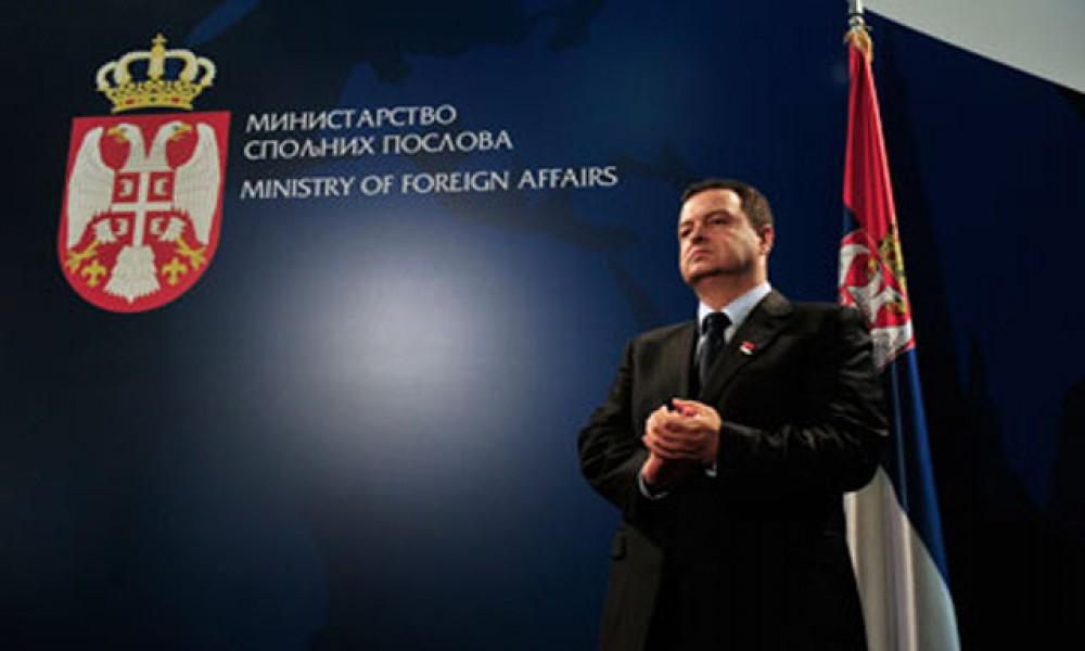 Svet naklonjen Srbiji, Albanci čekaju preokret