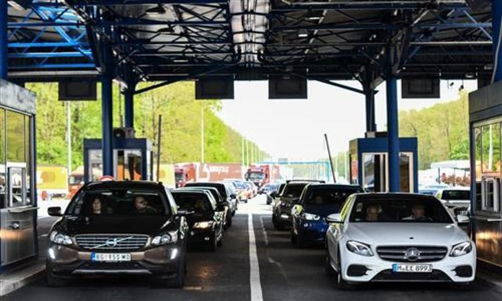 Prvi vikend jula  više vozila na granicama i putevima ka moru
