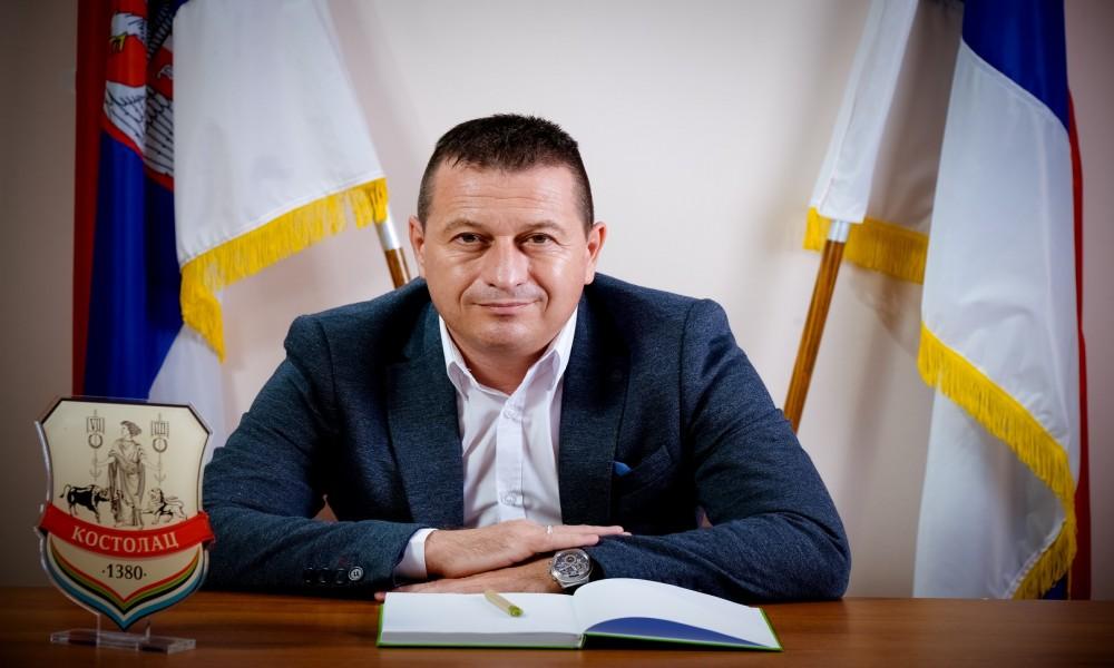 Serdžo Krstanoski Kostolčankama čestitao 8. mart