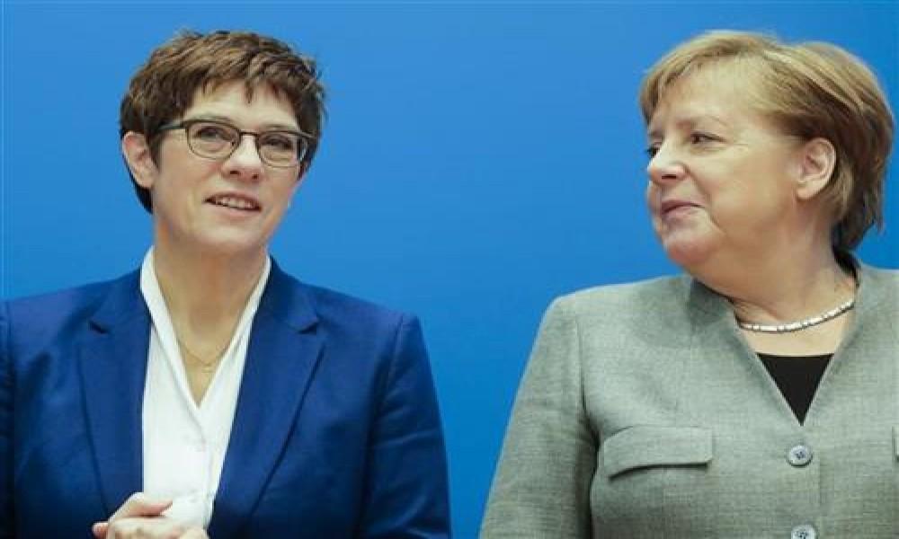 Kramp Karenbauer odustaje od mesta kancelara i šefa CDU