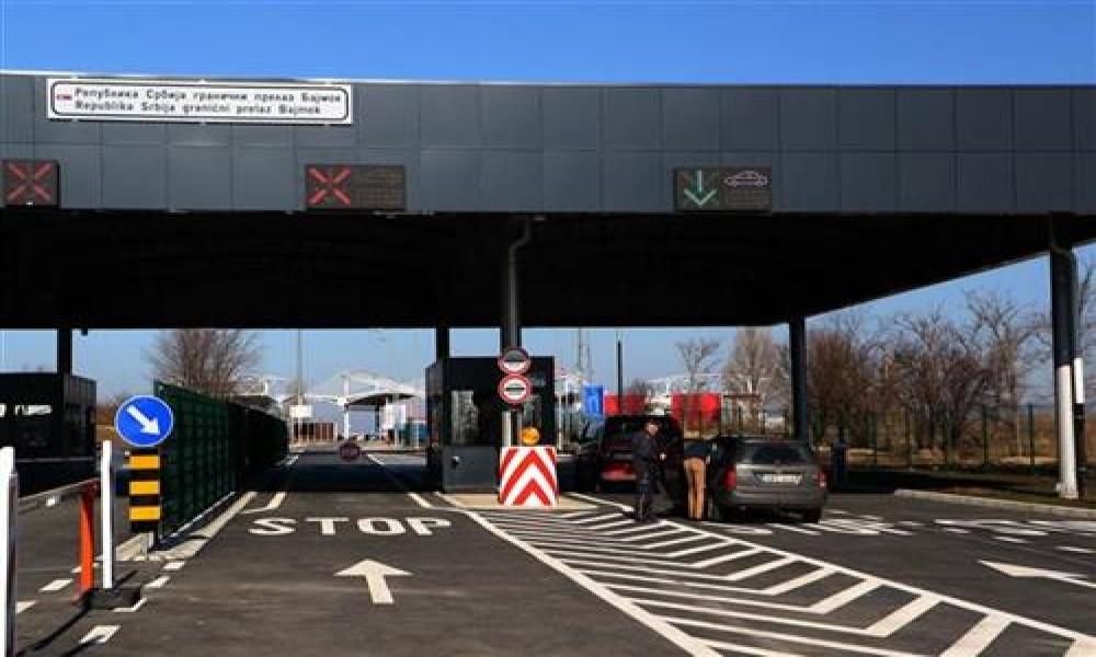 Putnici na granici obavezni da kažu odakle dolaze