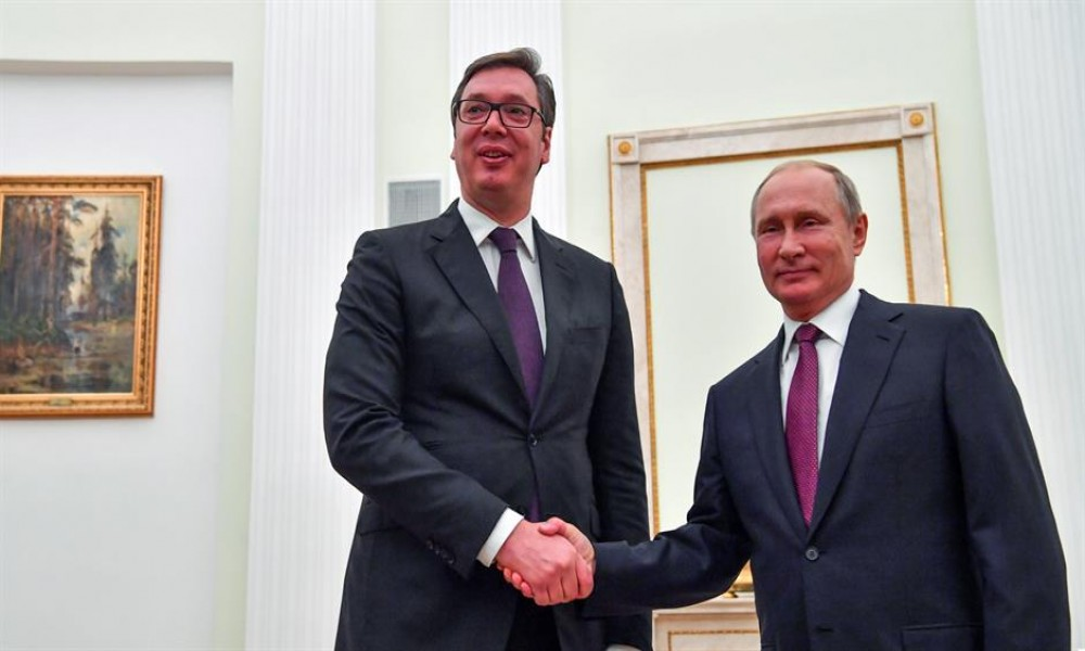 Vučić čestitao Putinu Božić