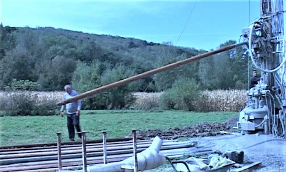 Bušenjem reni bunara nastavljena rekonstrukcija postojećeg vodovoda u naselju Dvorište