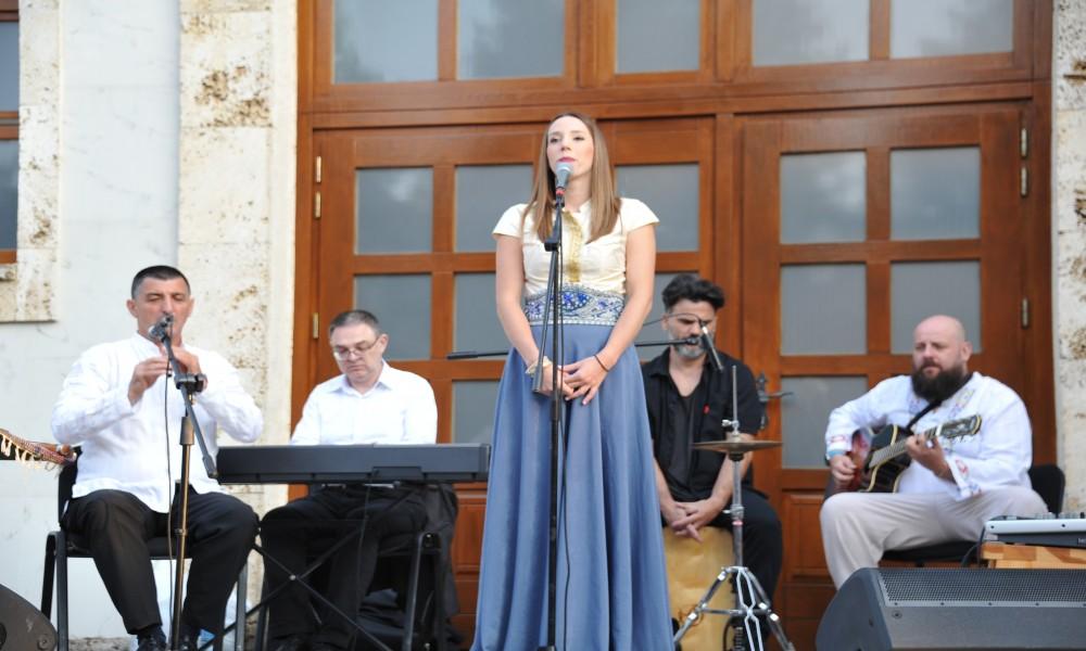 Veličanstven koncert Danice Crnogorčević na platou ispred Hrama Preobraženja Gospodnjeg