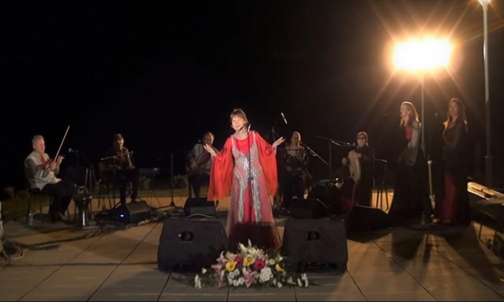 Biljana Krstić i orkestar Bistrik održali concert na Ramskoj tvrđavi