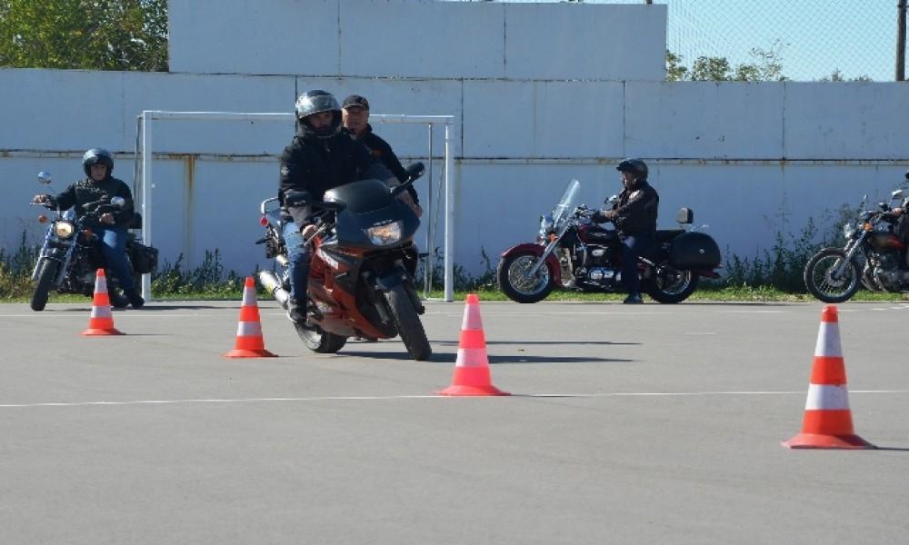 Veliko Gradište: Obuka za bezbednu vožnju motociklista
