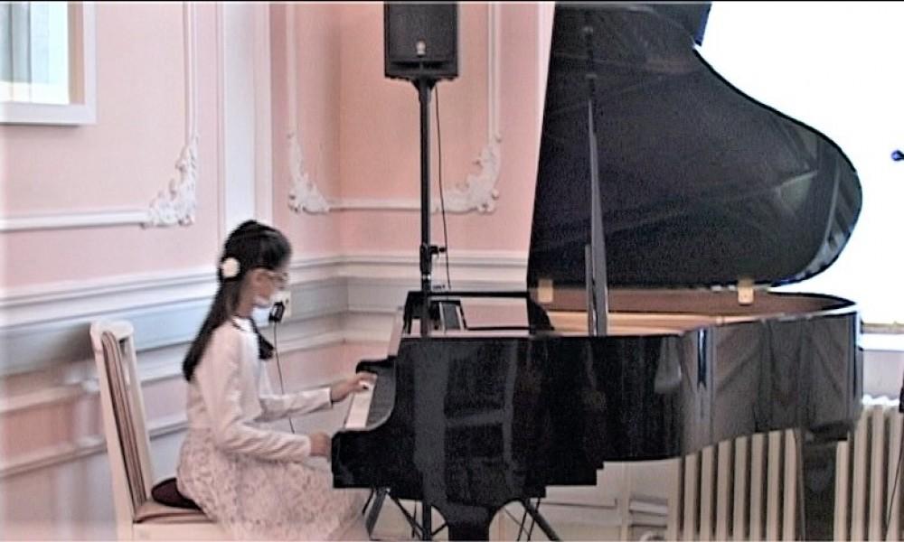 Koncertne klavire dobili Opština Veliko Gradište I Muzička škola Stevan Mokranjac iz Požarevca