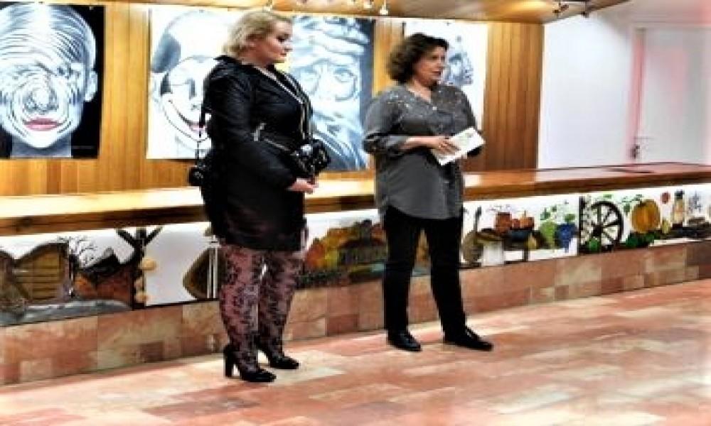 U Centru za kulturu Dragan Kecman u Kučevu otvorena izložba crteža Ane Cvejić Novi svetski poredak