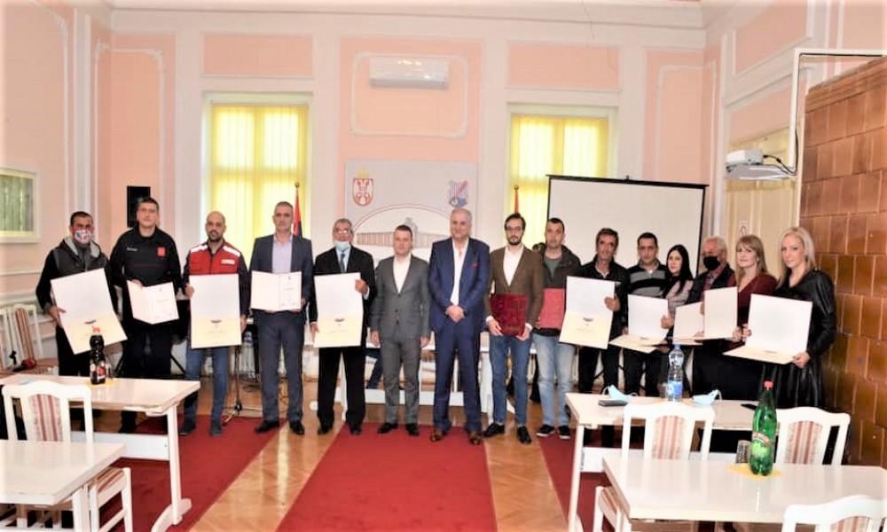 Podeljene opštinske nagrade i povelje povodom dana opštine Veliko Gradište