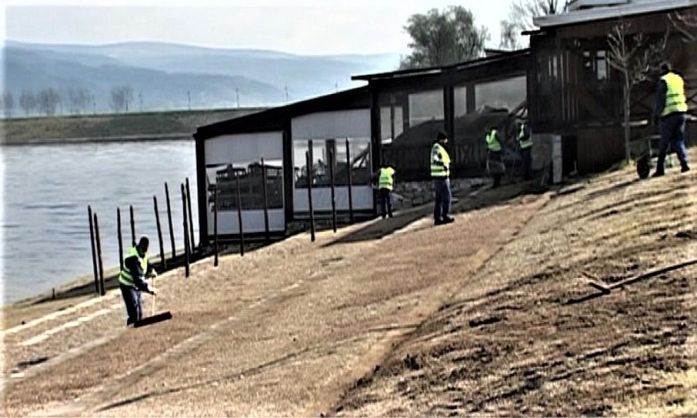 Počeli radovi na uređenju plaže na Srebrnom jezeru