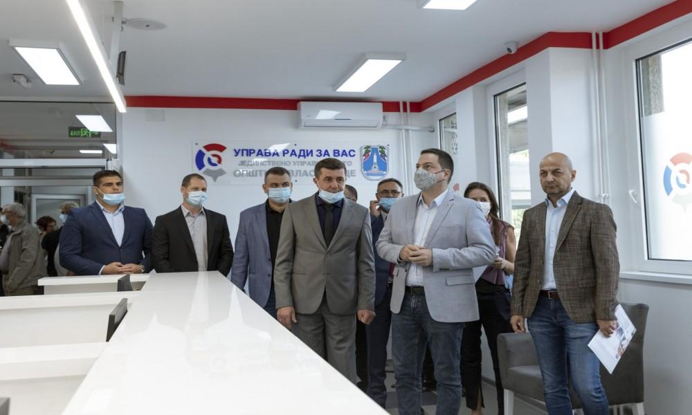 Ružić otvorio jedinstveno upravno mesto u Vlasotincu