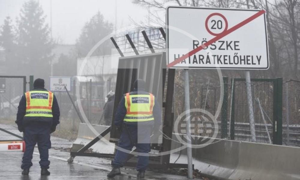 Migranti probili ogradu na Horgošu2,pucali mađarski policajci