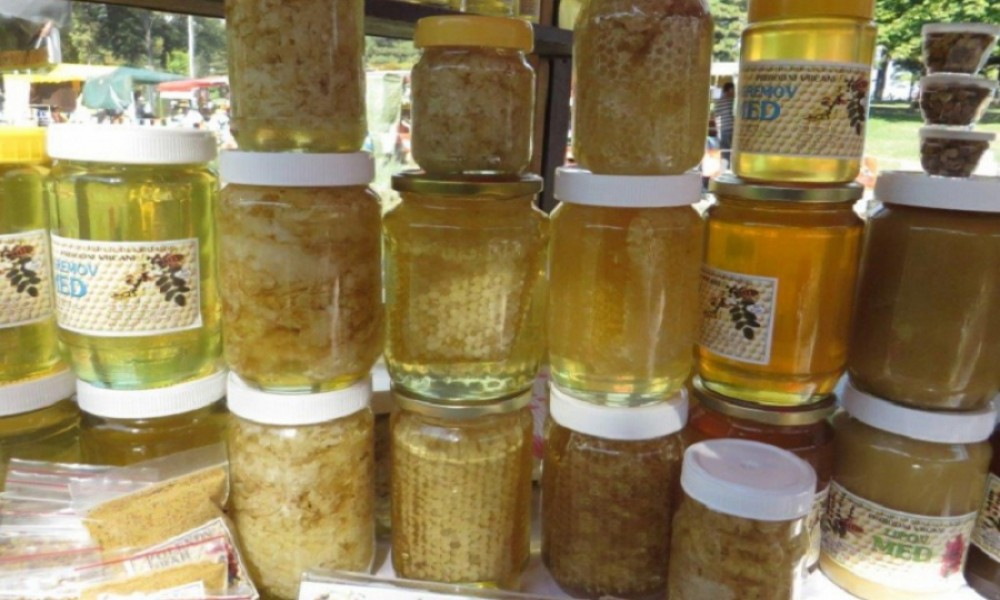 Zašto skače cena meda