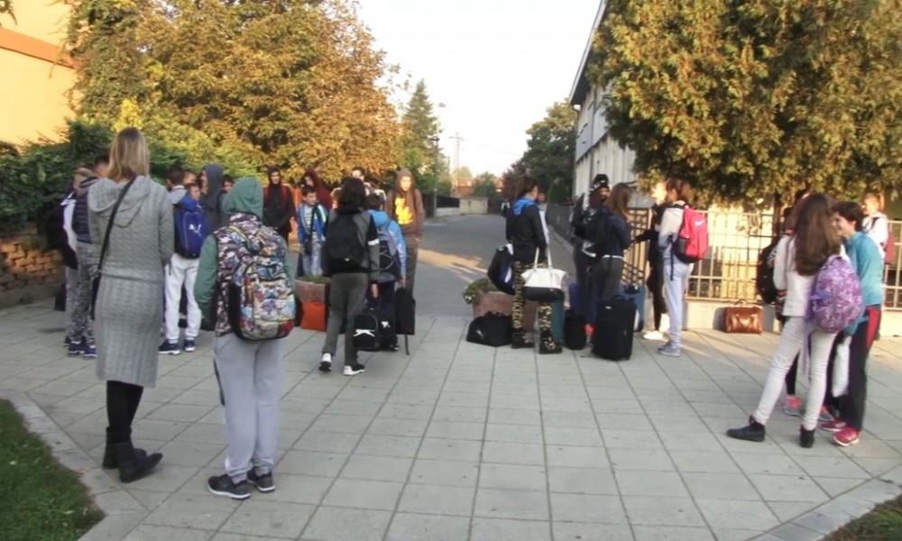 Pod kakvim uslovima će biti organizovane đačke ekskurzije