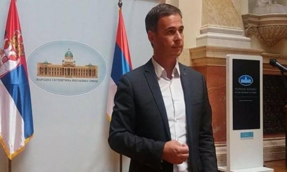 Zašto predstavnici Srpske liste i dalje sede u Vladi Kosova i Skupštini Kosova