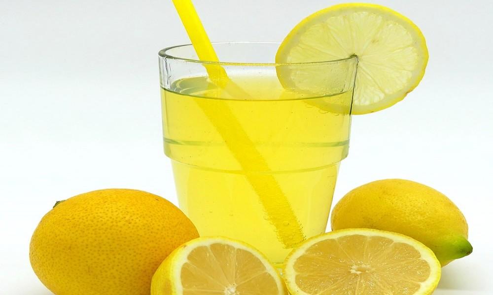Pola limuna i soda bikarbona Evo šta sve leči ova moćna kombinacija!