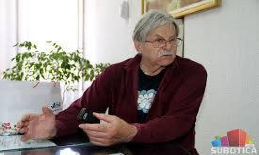 Pesnik, pisac, pa i fotograf! Ljubivoje Ršumović