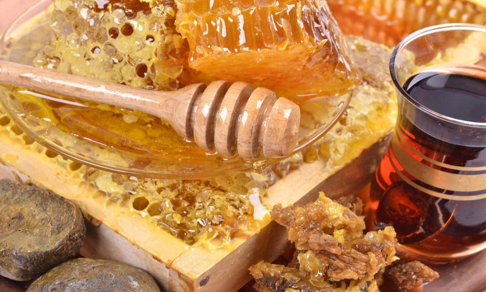 Med i propolis prvi izbor u lečenju kašlja