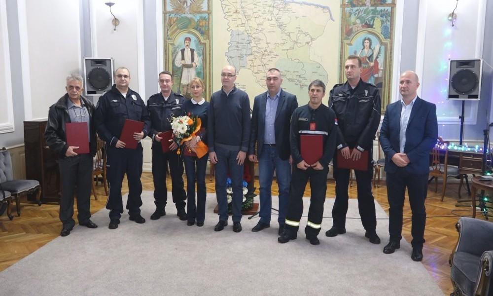 NAGRAĐENI NAJBOLJI POLICAJCI I VATROGASCI U 2018.GODINI