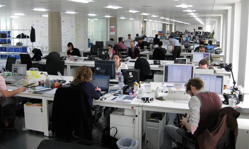 ZA SVE KOJI RADE OD 20 SATI DO 5 UJUTRU: Evo kako i kome firme da se obrate i obezbede dozvole svojim radnicima