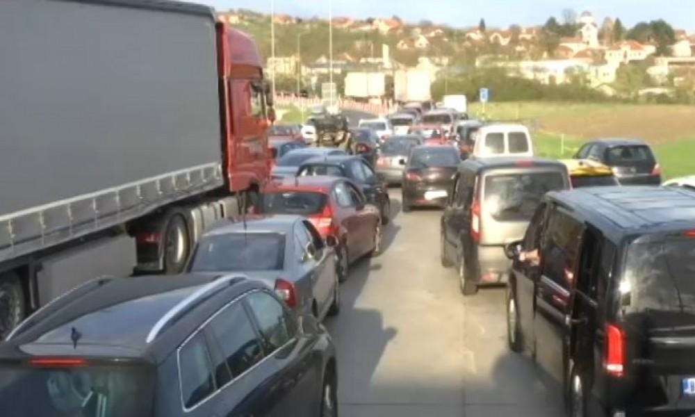 Punije kase od putarine - rekordan broj vozila na auto-putevima