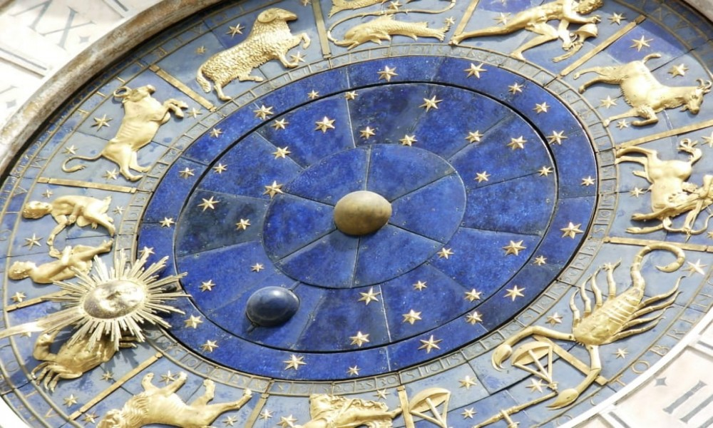 Veliki mesečni horoskop za DECEMBAR 2019: Blizance očekuje nova ljubav, a Jarčeve sudbinski susret!