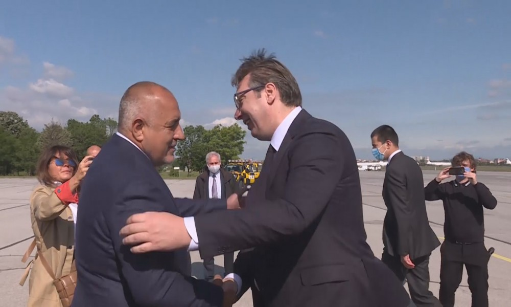 Vučić obišao auto-put iz helikoptera, pa ga Borisov vozio trasom Balkanskog toka