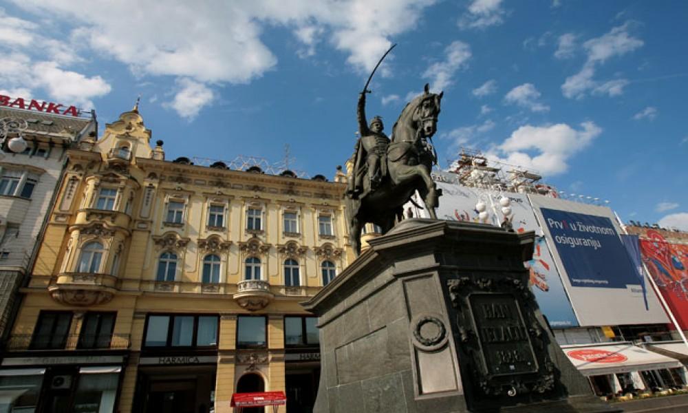 I SAD PRITISNULE ZAGREB